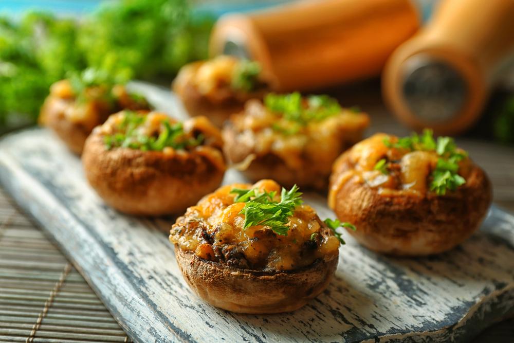 Аппетитные фаршированные грибы фото
