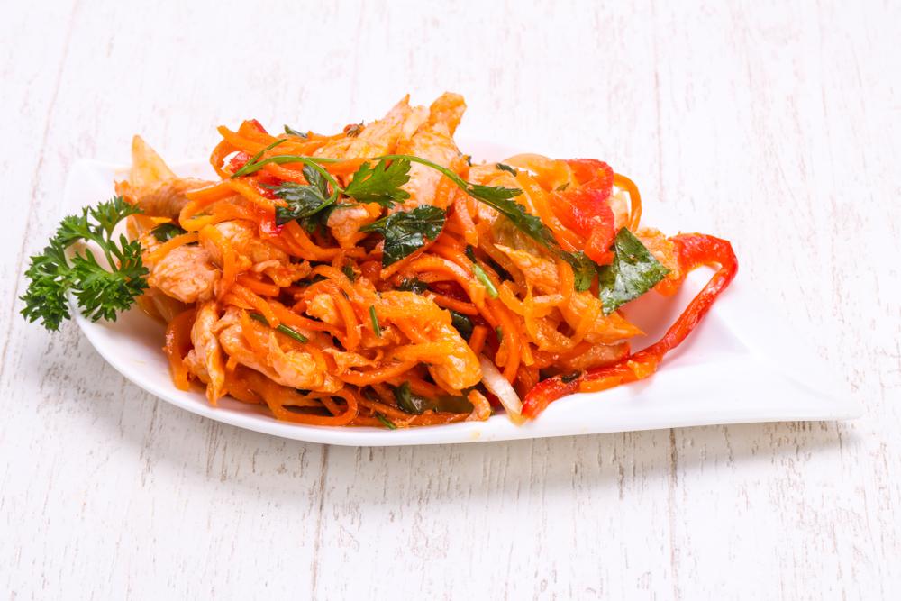 Морковь по-корейски с отварной курицей рецепт