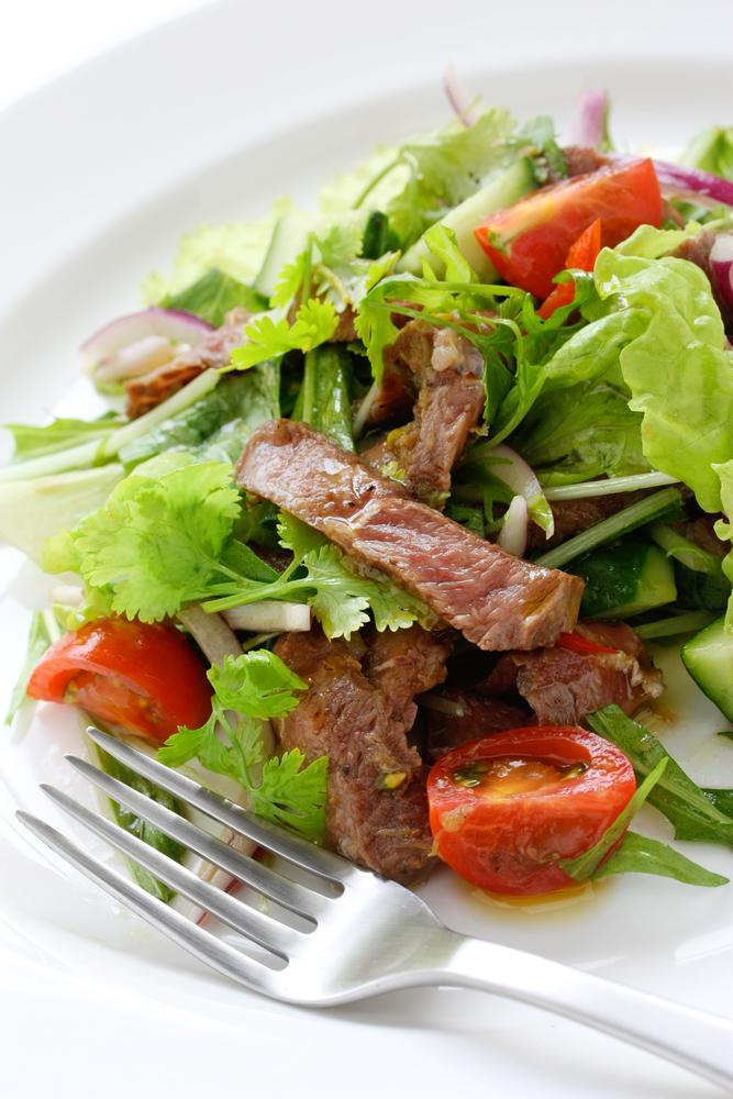 Салат из говядины и помидоров фото