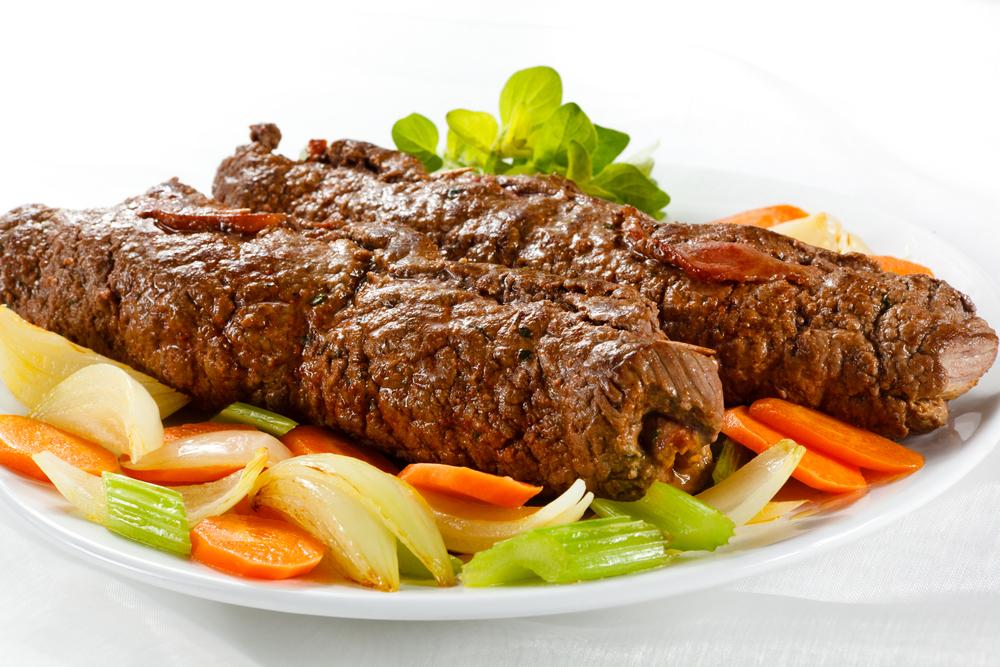 Фаршированная овощами говядина фото
