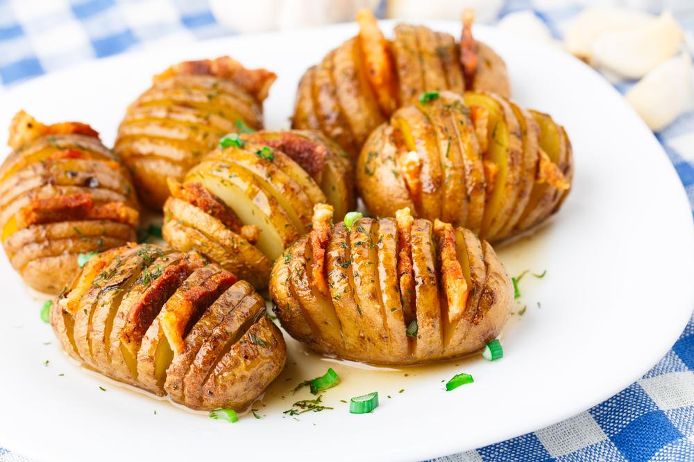 Печеный кортофель-гармошка с картофелем фото