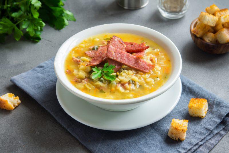 Гороховый суп с копченостями рецепт