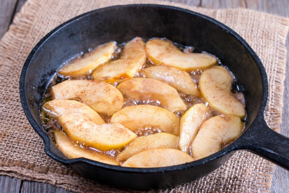 Жареные яблоки фото