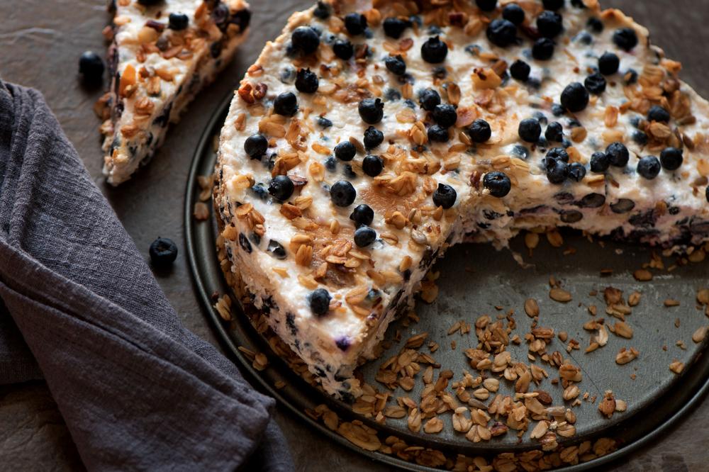 Десерт из овсяных хлопьев и йогурта рецепт