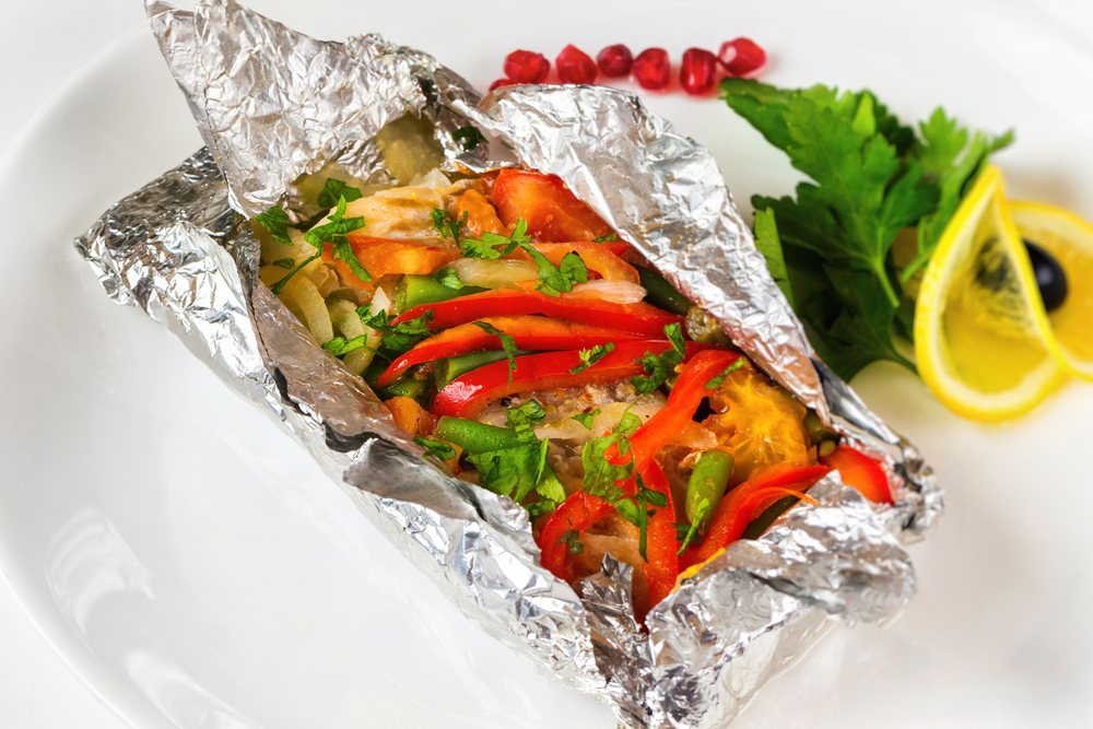 Филе минтая с овощами в фольге рецепт