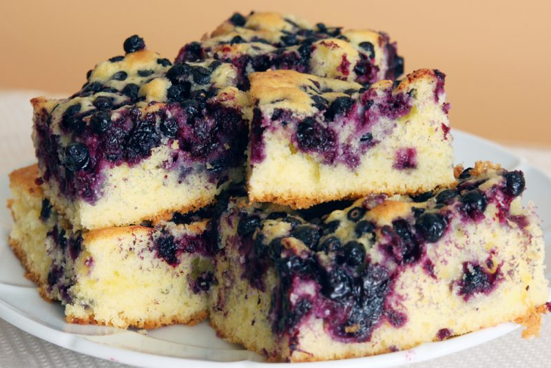 Пирог с черникой в мультиварке рецепт