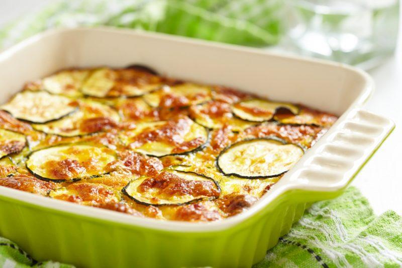 Пирог с кабачками и луковым мармеладом рецепт