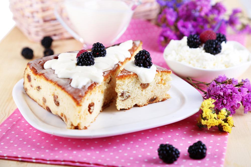 Творожный торт с ягодами фото