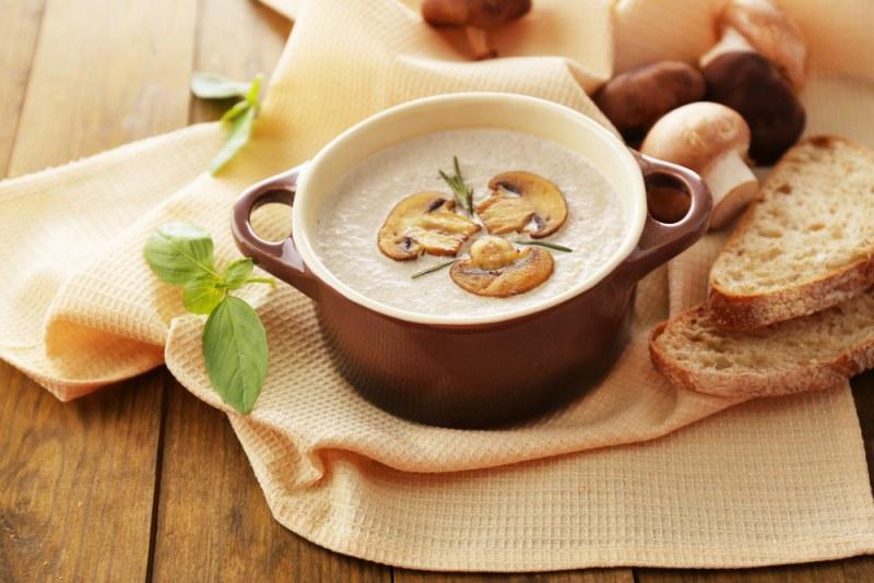 Грибной суп из шампиньонов без мяса