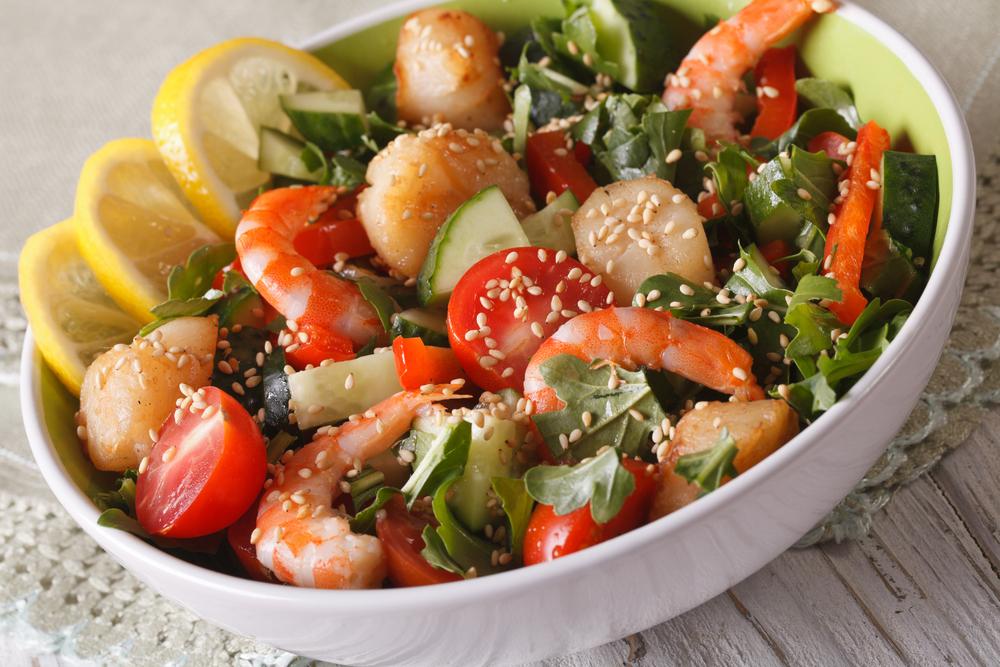 Салат из судака с креветками рецепт