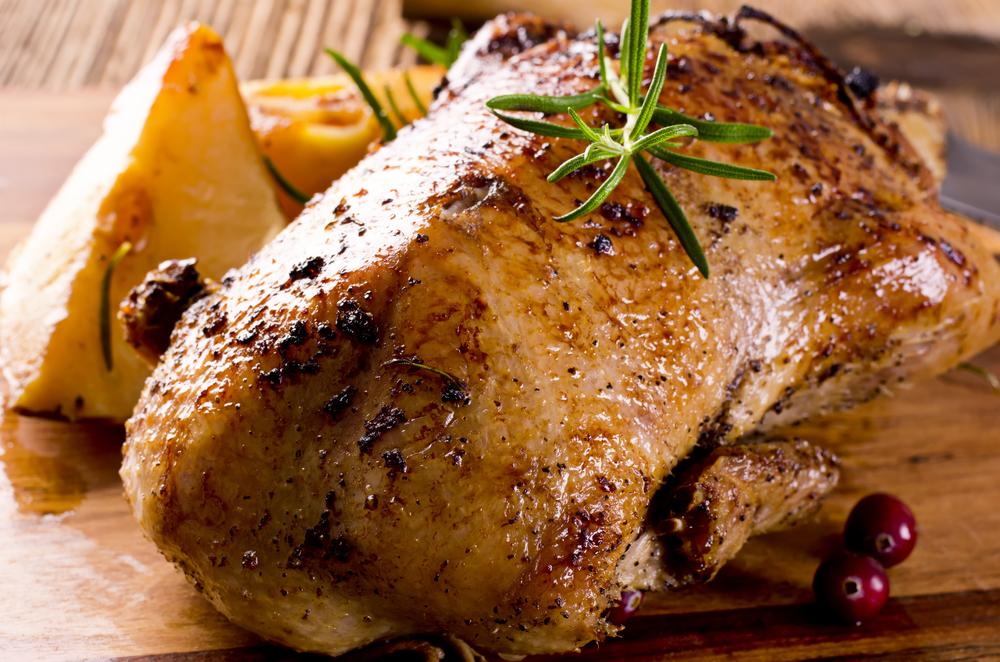 Утка с чесноком и травами рецепт
