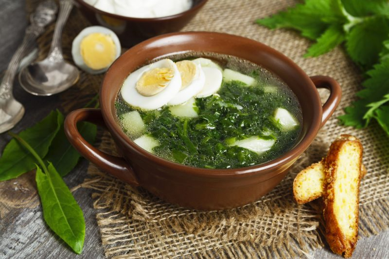 Щи со щавелем и яйцом рецепт