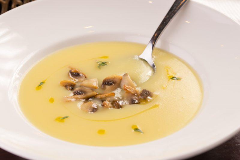 крем-суп из тыквы с грибами фото