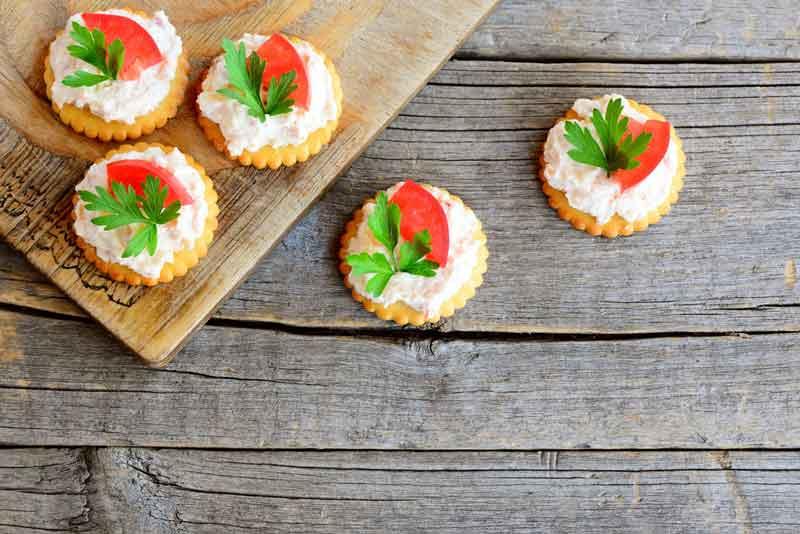 Фото галеты с томатами