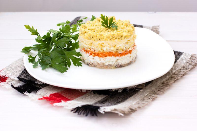 Салат с консервированным тунцом рецепты