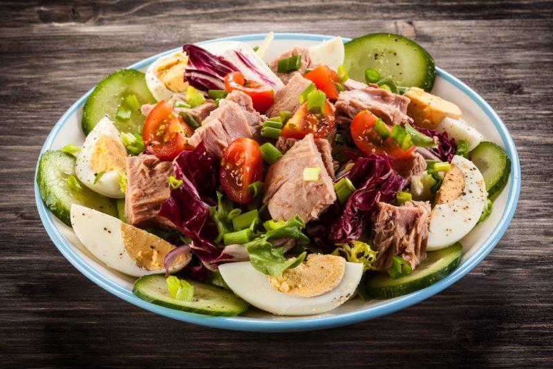 Фото салата с тунцом