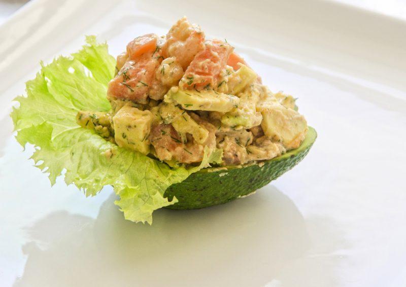 Салат с авокадо: фото