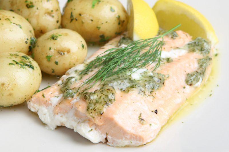 Нежный запечённый лосось: рецепт