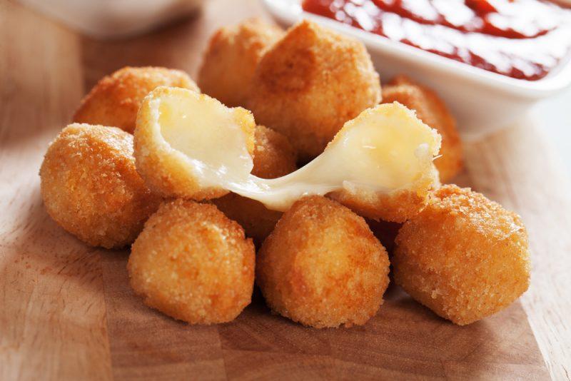 Сырные шарики: фото