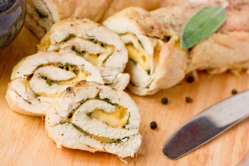 куриный рулетик с сыром: фото