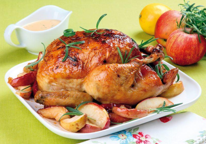 Курица с яблоками: фото