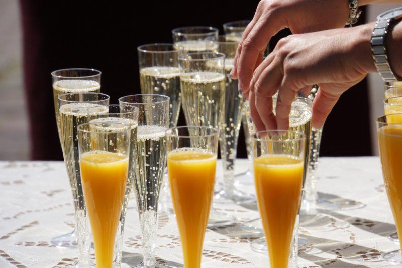 Коктейль из апельсинов и шампанского: фото
