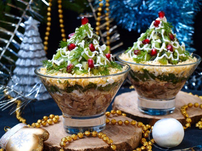 Новогодний салат с яблоками: фото