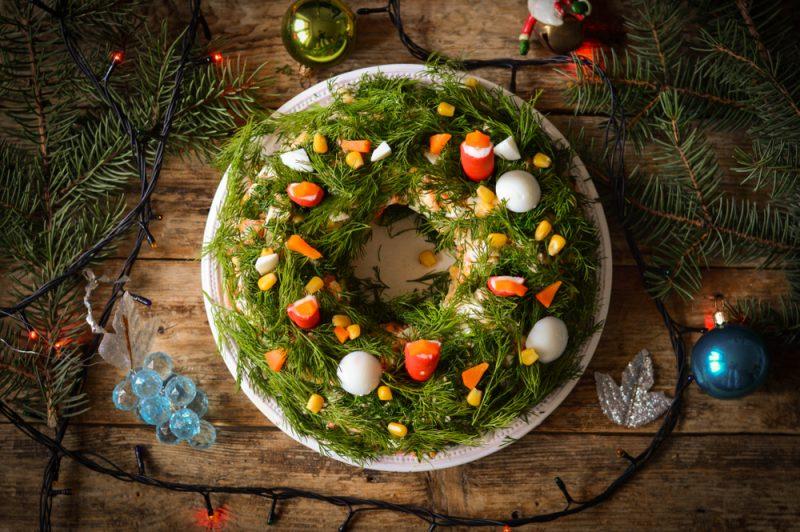 Новогодний салат с морепродуктами: фото