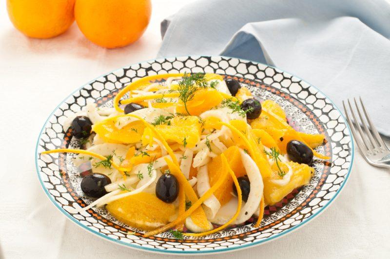 Салат с апельсином и курицей: фото