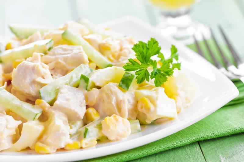 Салат с ананасом и курицей: фото