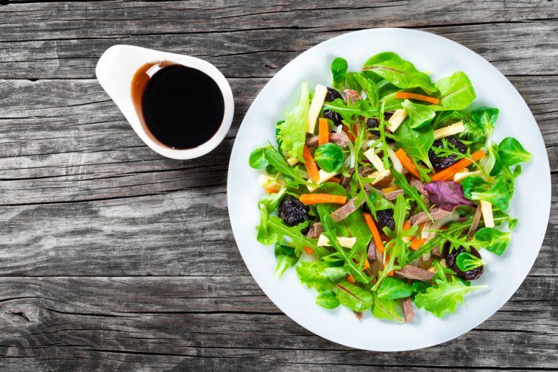 Фото салата с черносливом