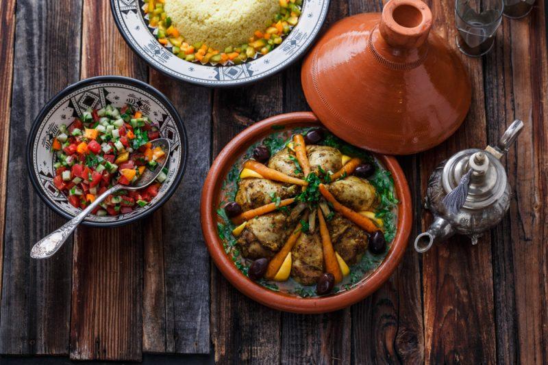 Пикантный салат с черносливом: фото