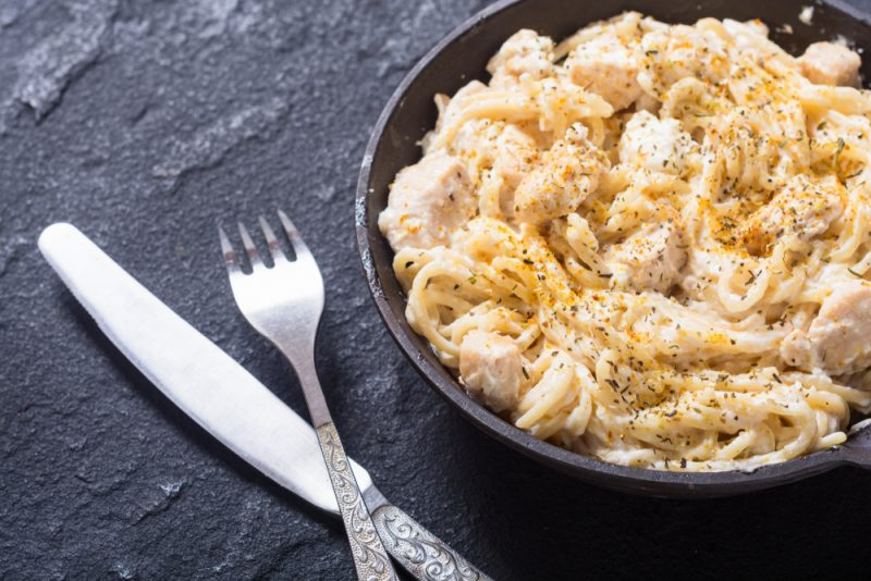 Паста Карбонара с грибами и курицей рецепт: фото