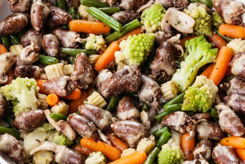 Куриные сердечки с овощами: рецепты