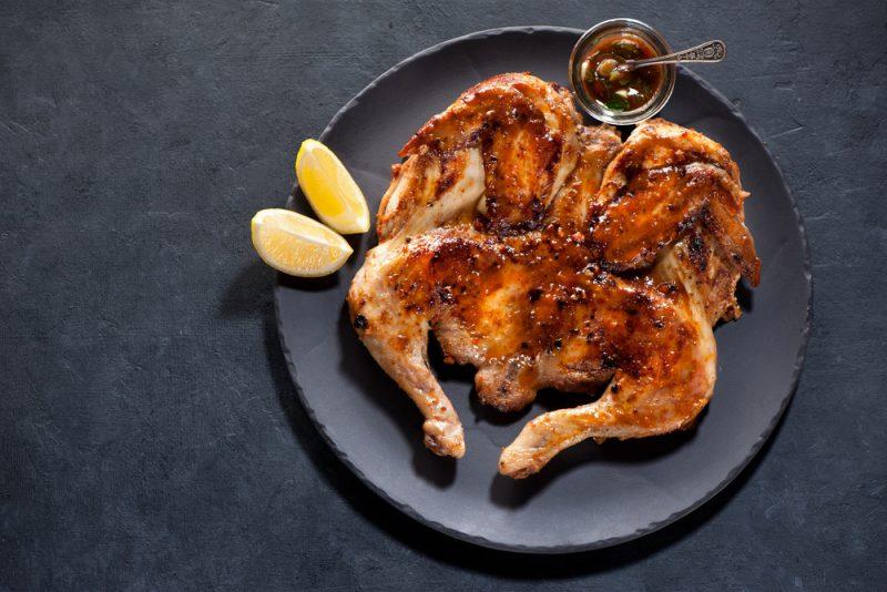 Цыпленок табака в лимонном маринаде: рецепт с фото