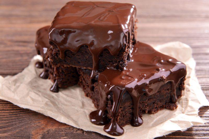 Шоколадный торт с помадкой