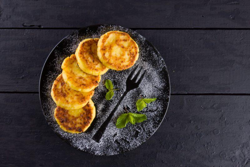 Классические сырники: рецепт с фото