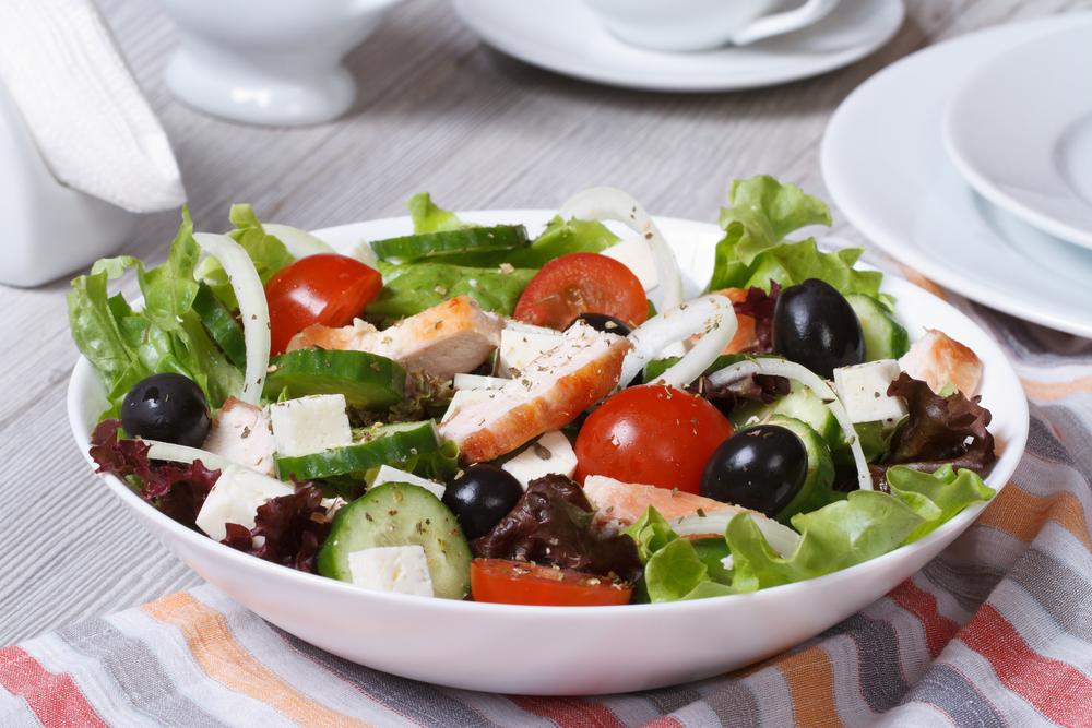 Сытный греческий салат