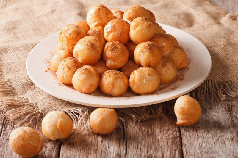Медовые шарики с корицей: рецепт с фото