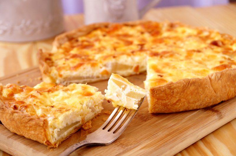 Кусочек пирога с курицей и сыром: фото