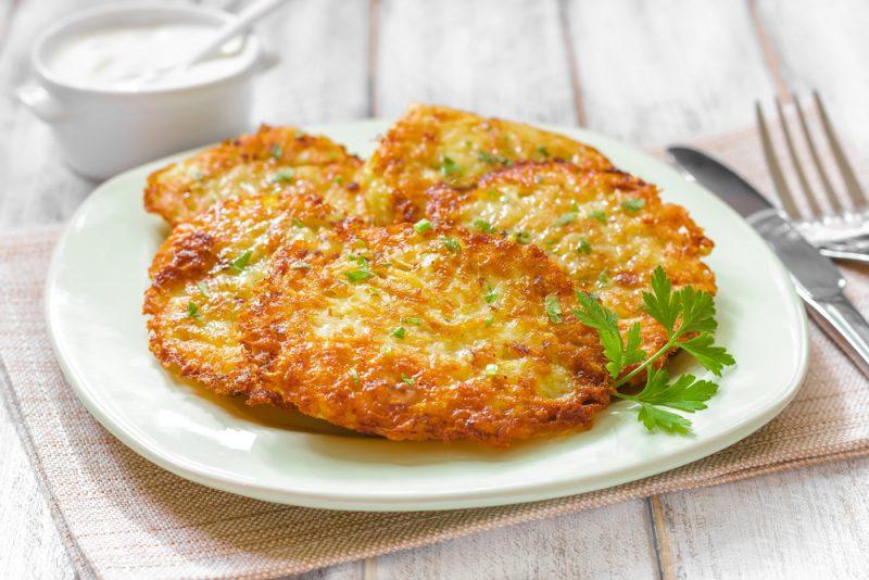 Картофельные драники: рецепт с фото