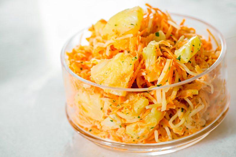 Салат с корейской морковью: пошаговый рецепт