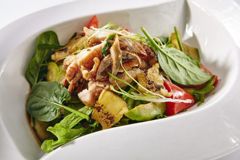 Салат ананасово-грибной: пошаговый рецепт
