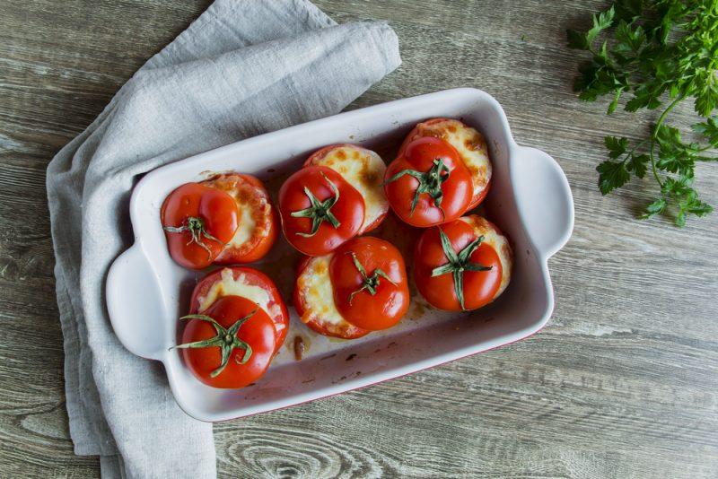 Запечённые помидоры: фото