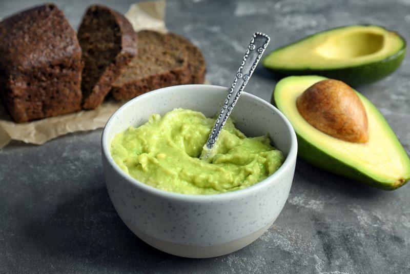 Бутерброды с пюре из авокадо: рецепт