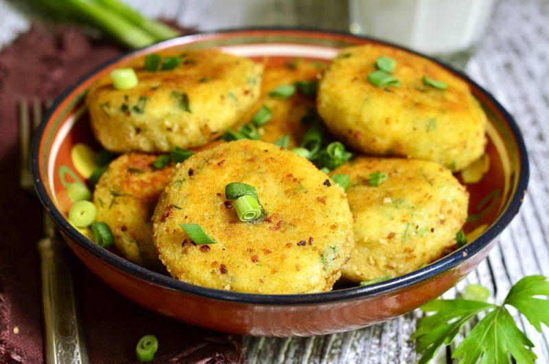 Картофельные котлеты с яйцом: рецепт