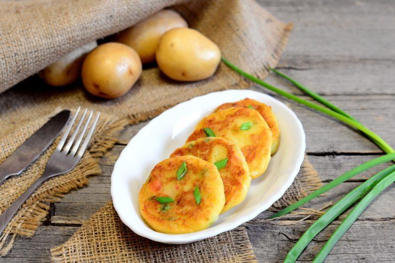 Московские картофельные котлеты: рецепт