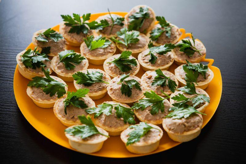 Тарталетки с паштетом: рецепт