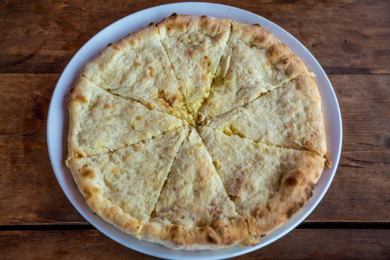 Сырная лепешка на твороге: рецепт с фото