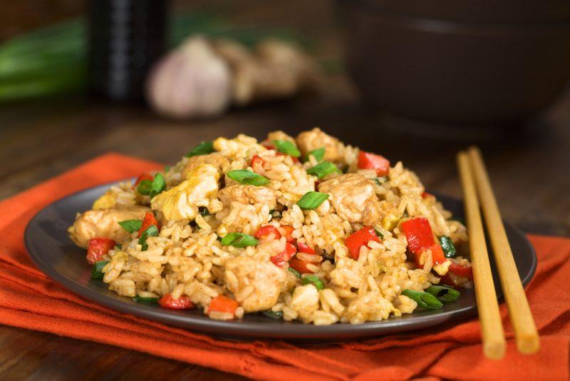 Курица в банке с рисом и овощами: рецепт
